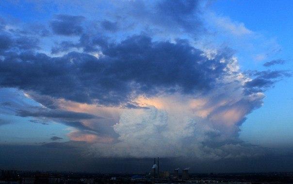 Жители Пекина были напуганы необычным облаком