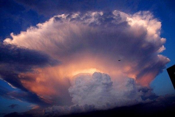 Жители Пекина были напуганы необычным облаком2