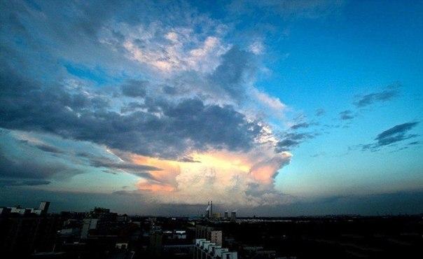 Жители Пекина были напуганы необычным облаком3